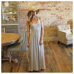 ✨RESTOCK ✨Gray sleeveless maxi dress